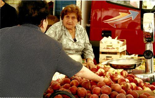 Tuscanfruitlady