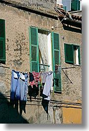 Hanging-laundry-1